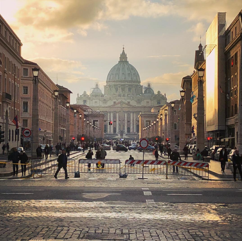 Vatikan Dış Görünümü- Photo: benji_bensen
