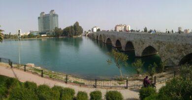 Tarihi Taş Köprü