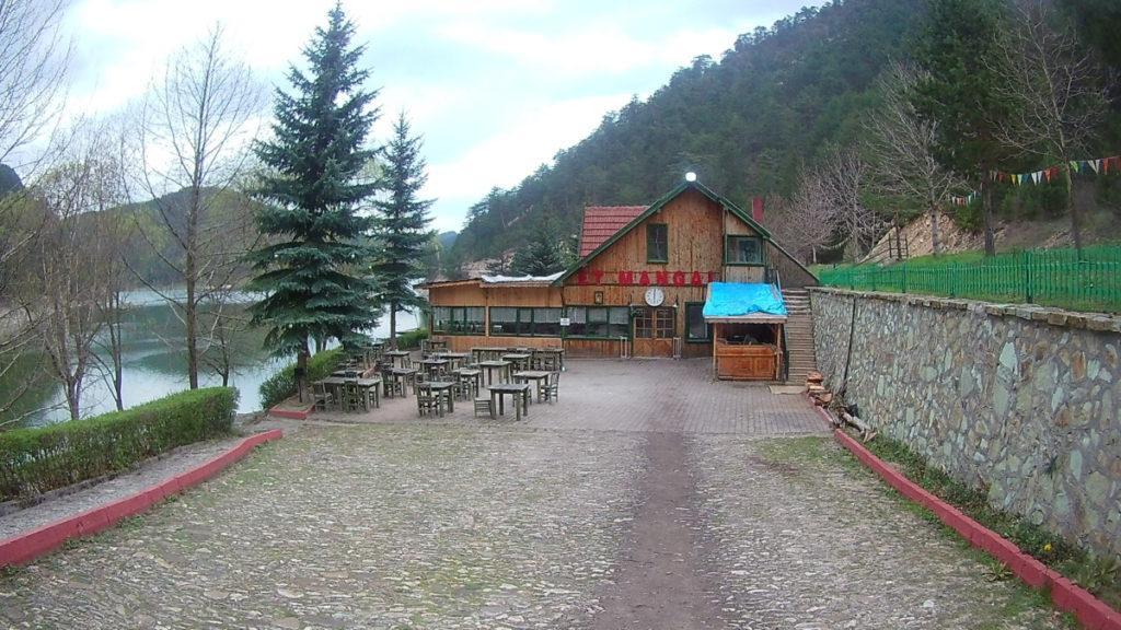 Sünnet Gölünde bulunan Restoran