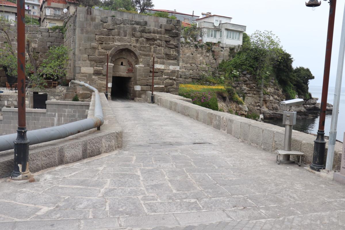 Tarihi Kemere Köprüsü