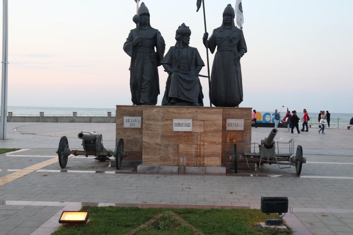 Osman Gazi - Akçakoca Bey - Konuralp