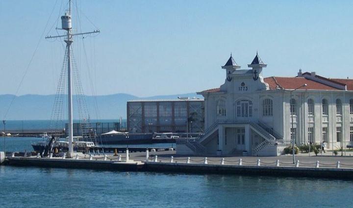 Heybeliada Deniz Lisesi