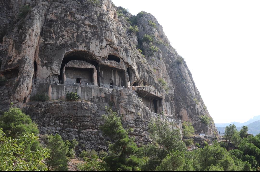Kralkaya mezarları